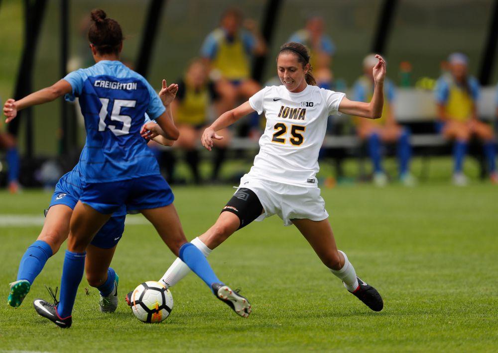 Iowa Hawkeyes Josie Durr (25) against the Creighton Bluejays  Sunday, August 19, 2018 at the Iowa Soccer Complex. (Brian Ray/hawkeyesports.com)