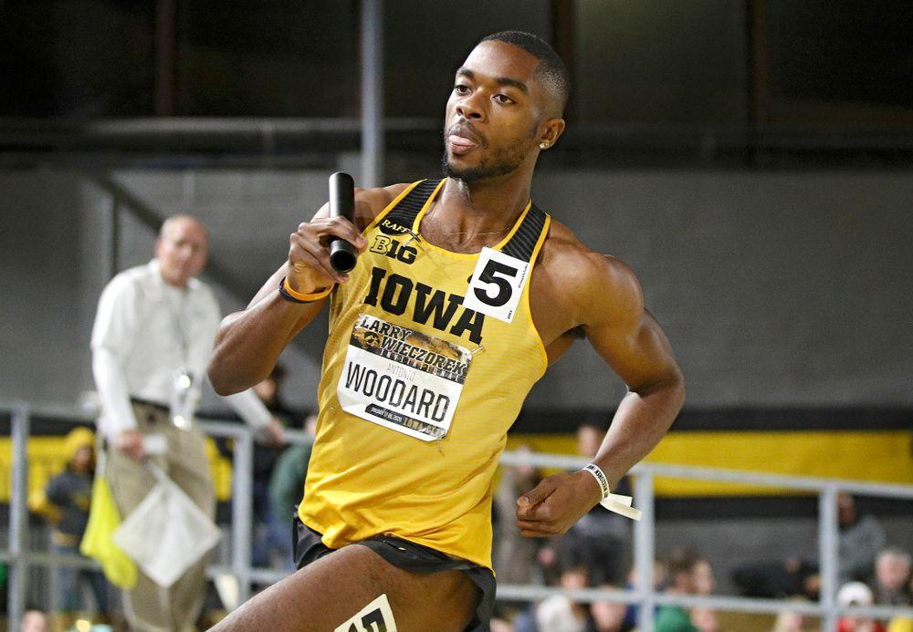 Iowa's Antonio Woodard runs the men's 1600 meter relay premier event during the Larry Wieczorek Invitational at the Recreation Building in Iowa City on Saturday, January 18, 2020. (Stephen Mally/hawkeyesports.com)