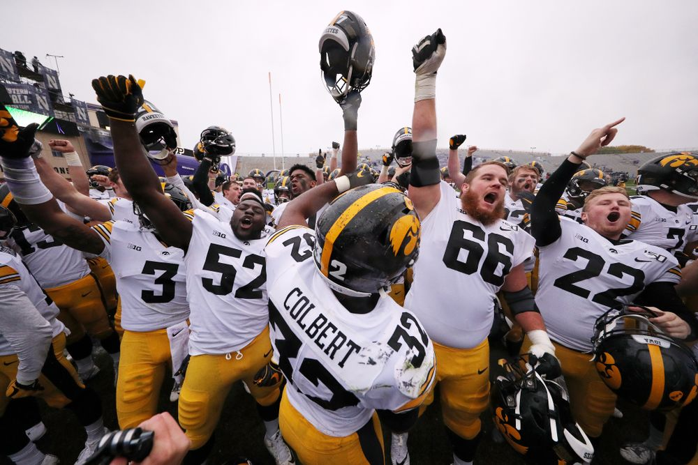 The Iowa Hawkeyes sing the ÒFight SongÓ following their victory against the Northwestern Wildcats Saturday, October 26, 2019 at Ryan Field in Evanston, Ill. (Brian Ray/hawkeyesports.com)
