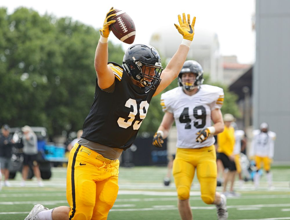 Iowa Hawkeyes tight end Nate Wieting (39) scores a touchdown during Fall Camp Practice No. 11 at the Hansen Football Performance Center in Iowa City on Wednesday, Aug 14, 2019. (Stephen Mally/hawkeyesports.com)