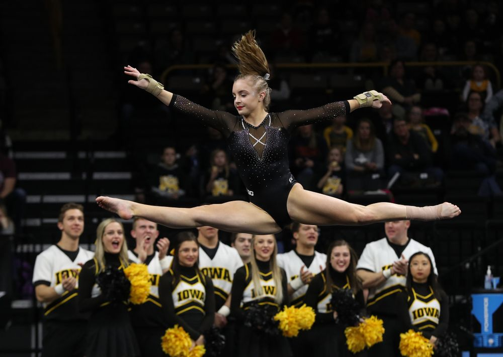 Iowa's Lauren Guerin competes on the floor against Illinois Saturday, February 16, 2019 at Carver-Hawkeye Arena. (Brian Ray/hawkeyesports.com)