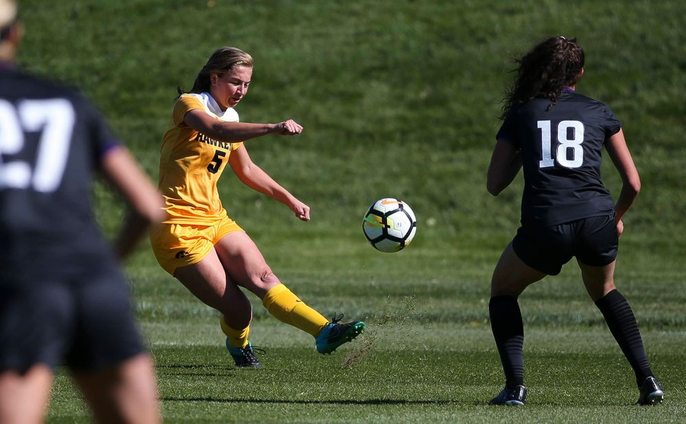Iowa Hawkeyes defender Riley Whitaker (5) passes the ball during a game against Northwestern at the Iowa Soccer Complex on October 21, 2018. (Tork Mason/hawkeyesports.com)