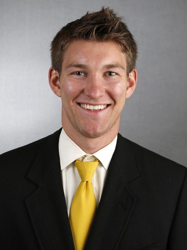 Ron Coluzzi - Football - University of Iowa Athletics