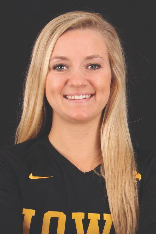 Nikki Dailey - Volleyball - University of Iowa Athletics