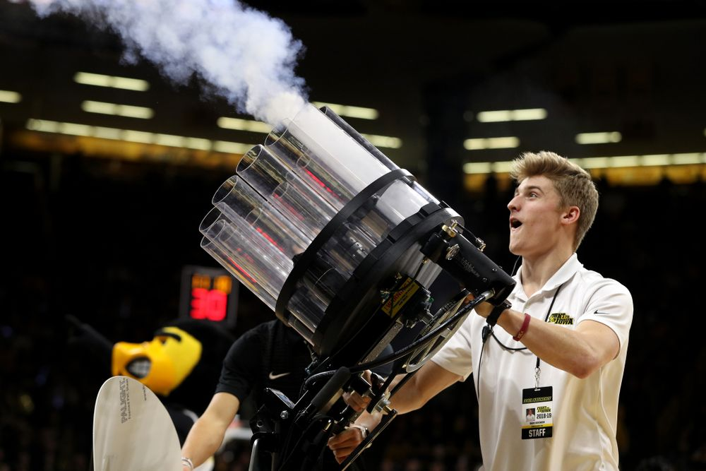 The T-Shirt gun against the Michigan State Spartans Thursday, January 24, 2019 at Carver-Hawkeye Arena. (Brian Ray/hawkeyesports.com)