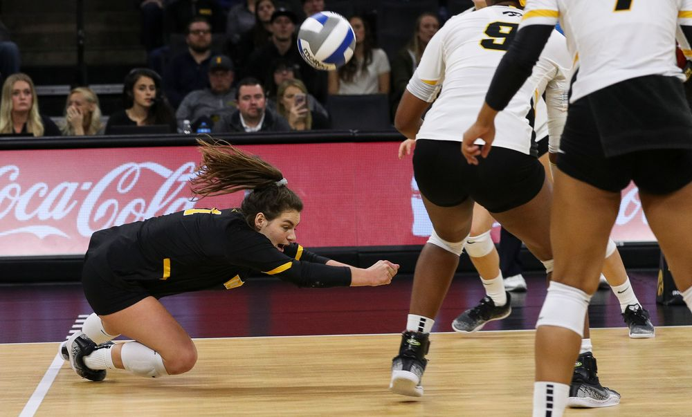 Iowa Hawkeyes defensive specialist Molly Kelly (1) digs the ball during a match against Rutgers at Carver-Hawkeye Arena on November 2, 2018. (Tork Mason/hawkeyesports.com)