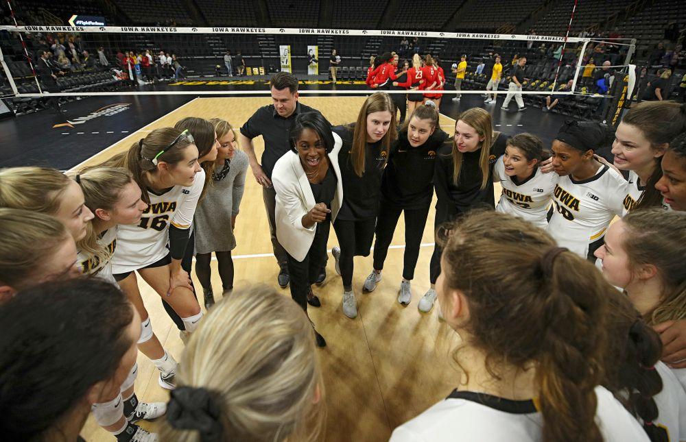 Iowa head coach Vicki Brown talks with her team after winning their match at Carver-Hawkeye Arena in Iowa City on Saturday, Nov 30, 2019. (Stephen Mally/hawkeyesports.com)
