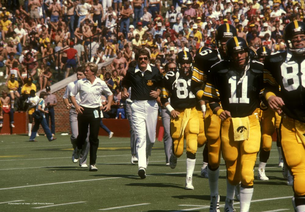 Historic Photos of Hayden Fry from 1981
