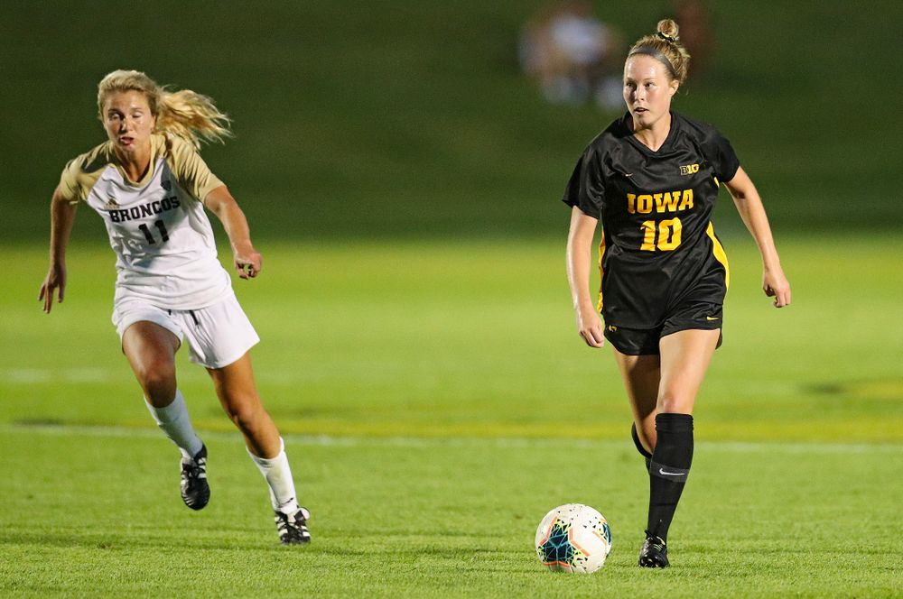 Iowa midfielder/defender Natalie Winters (10) looks down the field as she moves with the ball during the second half of their match against Western Michigan at the Iowa Soccer Complex in Iowa City on Thursday, Aug 22, 2019. (Stephen Mally/hawkeyesports.com)