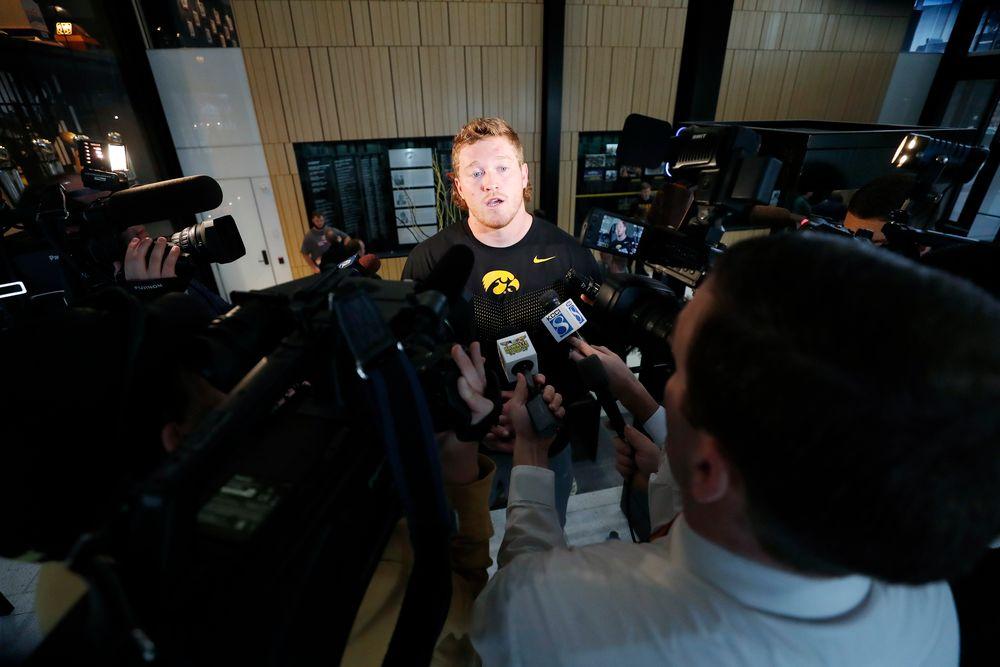 Iowa Hawkeyes defensive end Parker Hesse (40)