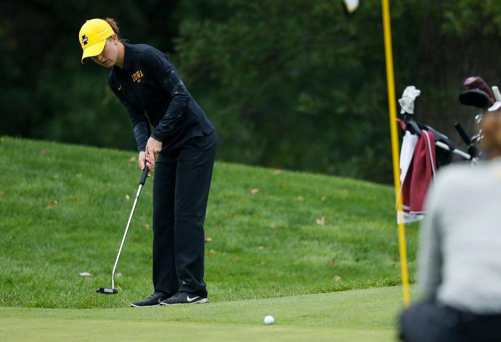 Iowa's Brett Permann putts during the final round of the Diane Thomason Invitational at Finkbine Golf Course on September 30, 2018. (Tork Mason/hawkeyesports.com)