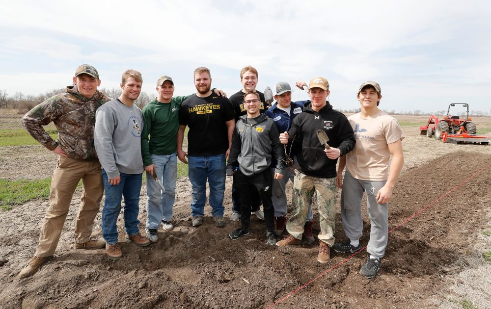 Members of the Iowa Wrestling Team  volunteer during the Iowa Athletics Department's annual Day of Caring Sunday, April 22, 2018. (Brian Ray/hawkeyesports.com)