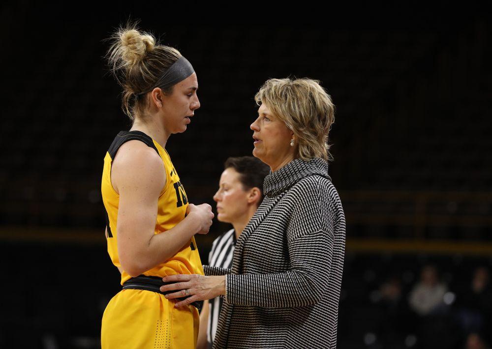 Iowa Hawkeyes forward Hannah Stewart (21) and head coach Lisa Bluder against the Michigan State Spartans Thursday, February 7, 2019 at Carver-Hawkeye Arena. (Brian Ray/hawkeyesports.com)