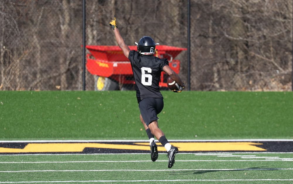 Iowa Hawkeyes wide receiver Ihmir Smith-Marsette (6)