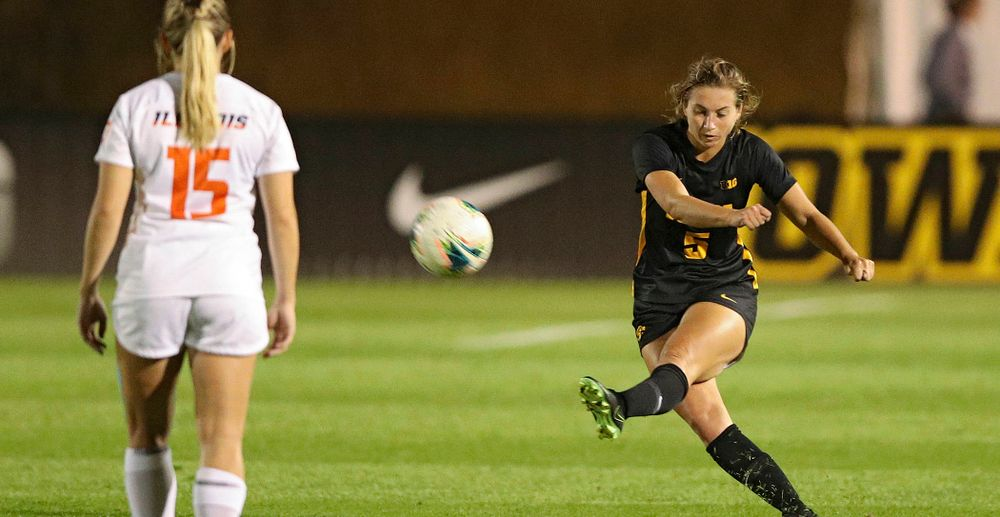 Iowa defender Riley Whitaker (5) passes the ball during the first half of their match against Illinois at the Iowa Soccer Complex in Iowa City on Thursday, Sep 26, 2019. (Stephen Mally/hawkeyesports.com)