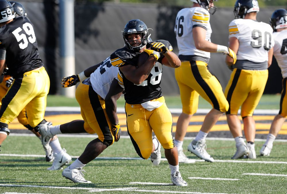 Iowa Hawkeyes running back Toren Young (28) during camp practice No. 17 Wednesday, August 22, 2018 at the Kenyon Football Practice Facility. (Brian Ray/hawkeyesports.com)