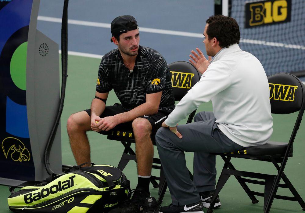 Josh Silverstein talks with head coach Ross Wilson