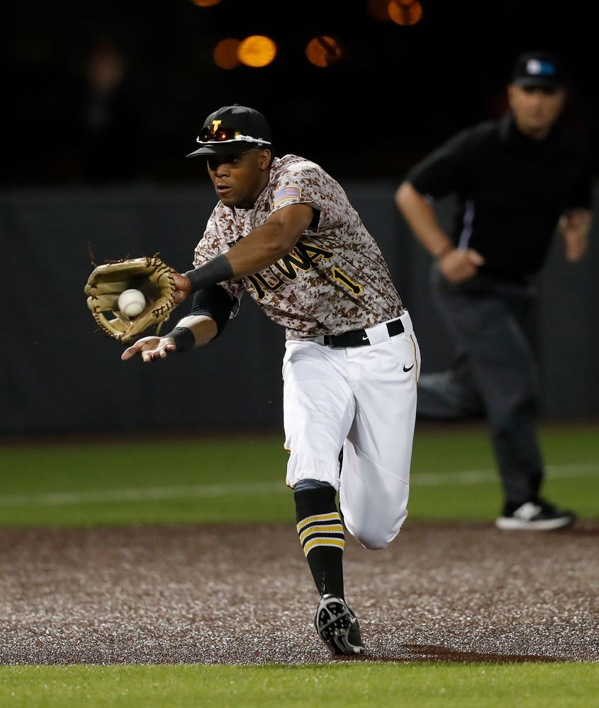 Iowa Hawkeyes third baseman Lorenzo Elion (1) against Oklahoma State Friday, May 4, 2018 at Duane Banks Field. (Brian Ray/hawkeyesports.com)
