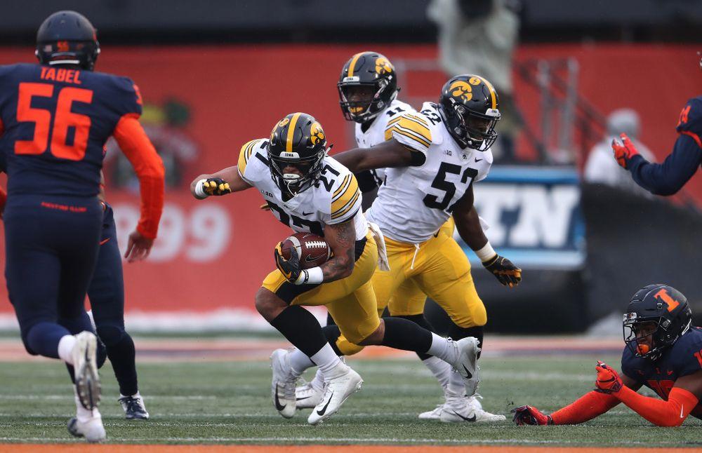 Iowa Hawkeyes defensive back Amani Hooker (27) and linebacker Amani Jones (52) against the Illinois Fighting Illini Saturday, November 17, 2018 at Memorial Stadium in Champaign, Ill. (Brian Ray/hawkeyesports.com)