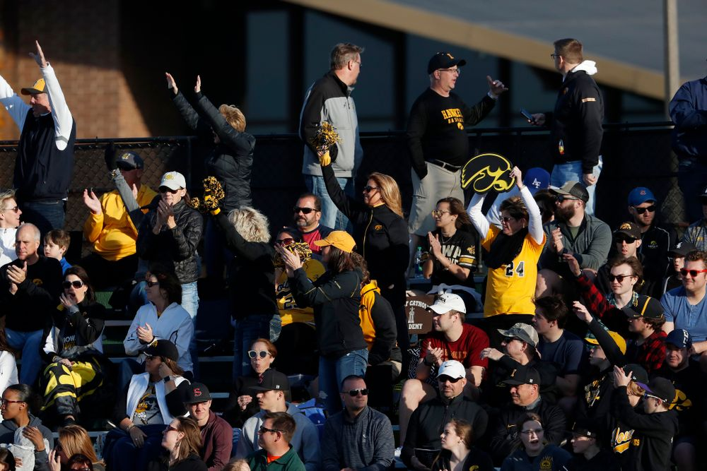 Fans of the Iowa Hawkeyes against the Michigan Wolverines Friday, April 27, 2018 at Duane Banks Field in Iowa City. (Brian Ray/hawkeyesports.com)