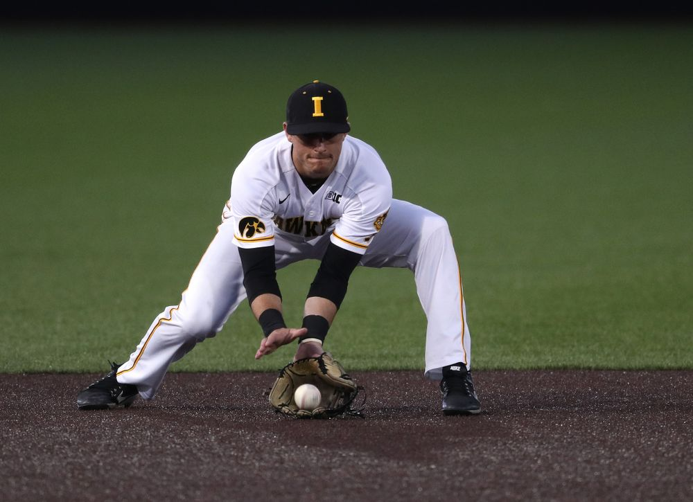 Iowa Hawkeyes Tanner Wetrich (16) makes a play during game one against UC Irvine Friday, May 3, 2019 at Duane Banks Field. (Brian Ray/hawkeyesports.com)