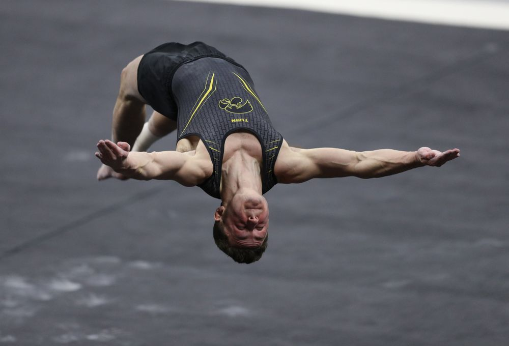 Iowa's Jake Brodarzon competes on the floor against Oklahoma Saturday, February 9, 2019 at Carver-Hawkeye Arena. (Brian Ray/hawkeyesports.com)