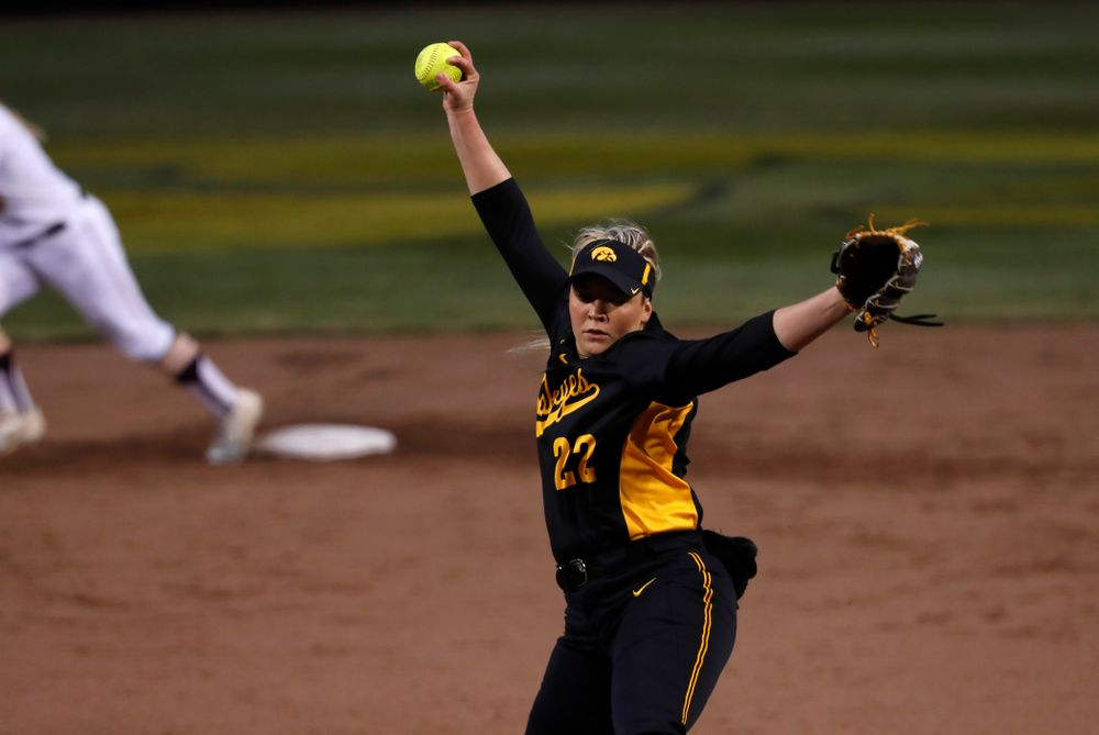 Iowa Hawkeyes starting pitcher/relief pitcher Kenzie Ihle (22) against the Minnesota Golden Gophers Friday, April 13, 2018 at Bob Pearl Field. (Brian Ray/hawkeyesports.com)
