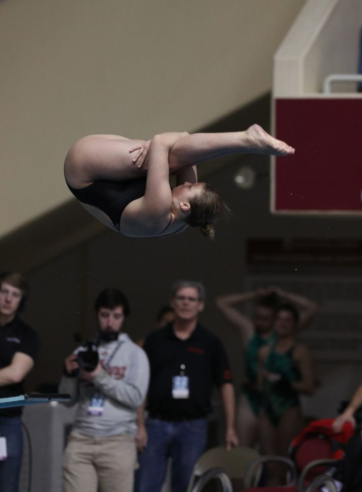Iowa's Claire Park competes on the 1-meter springboard during the 2019 Women's Big Ten Swimming and Diving meet Thursday, February 21, 2019 in Bloomington, Indiana. (Brian Ray/hawkeyesports.com)
