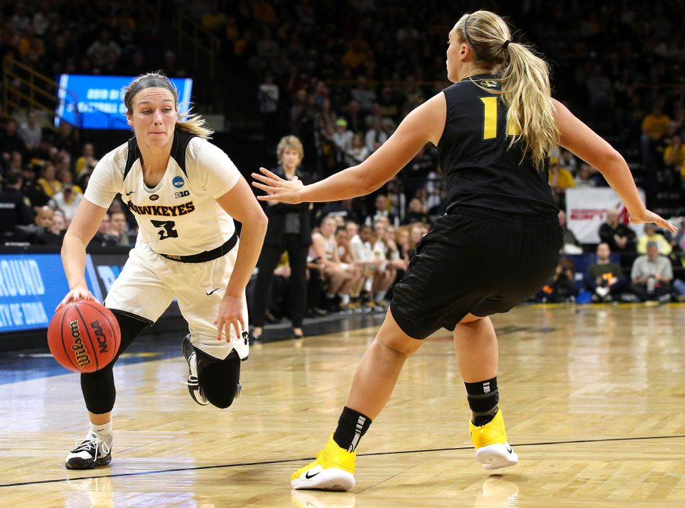 Iowa Hawkeyes guard Makenzie Meyer (3) drives in during the second quarter of their second round game in the 2019 NCAA Women's Basketball Tournament at Carver Hawkeye Arena in Iowa City on Sunday, Mar. 24, 2019. (Stephen Mally for hawkeyesports.com)