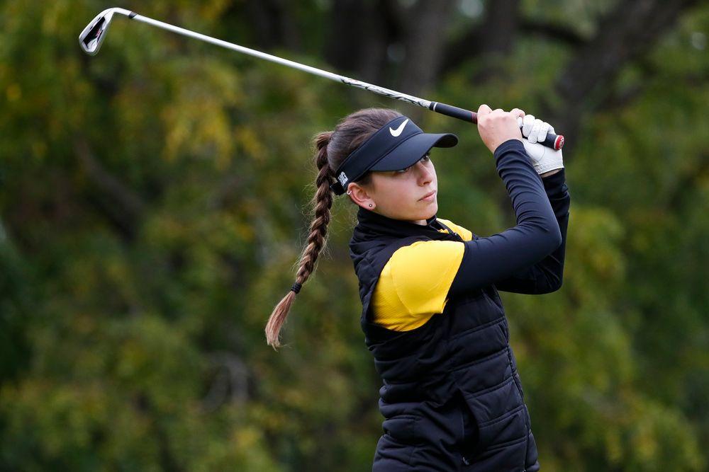 Iowa's Dana Lerner tees off during the Diane Thomason Invitational at Finkbine Golf Course on September 29, 2018. (Tork Mason/hawkeyesports.com)