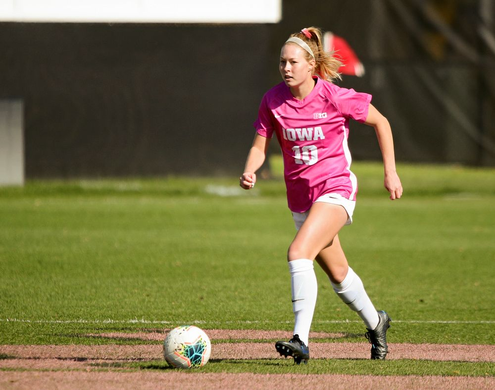 Iowa midfielder/defender Natalie Winters (10) moves with the ball during the first half of their match at the Iowa Soccer Complex in Iowa City on Sunday, Oct 27, 2019. (Stephen Mally/hawkeyesports.com)