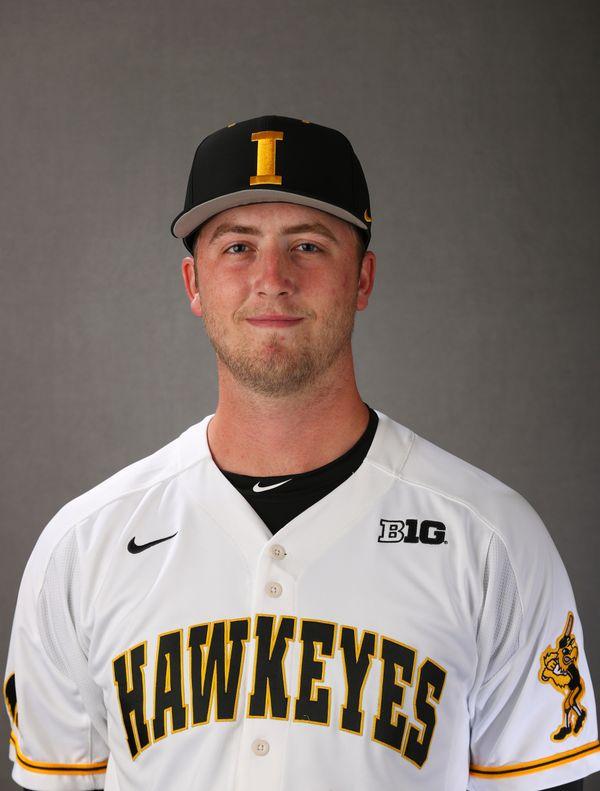 Duncan  Davitt - Baseball - University of Iowa Athletics