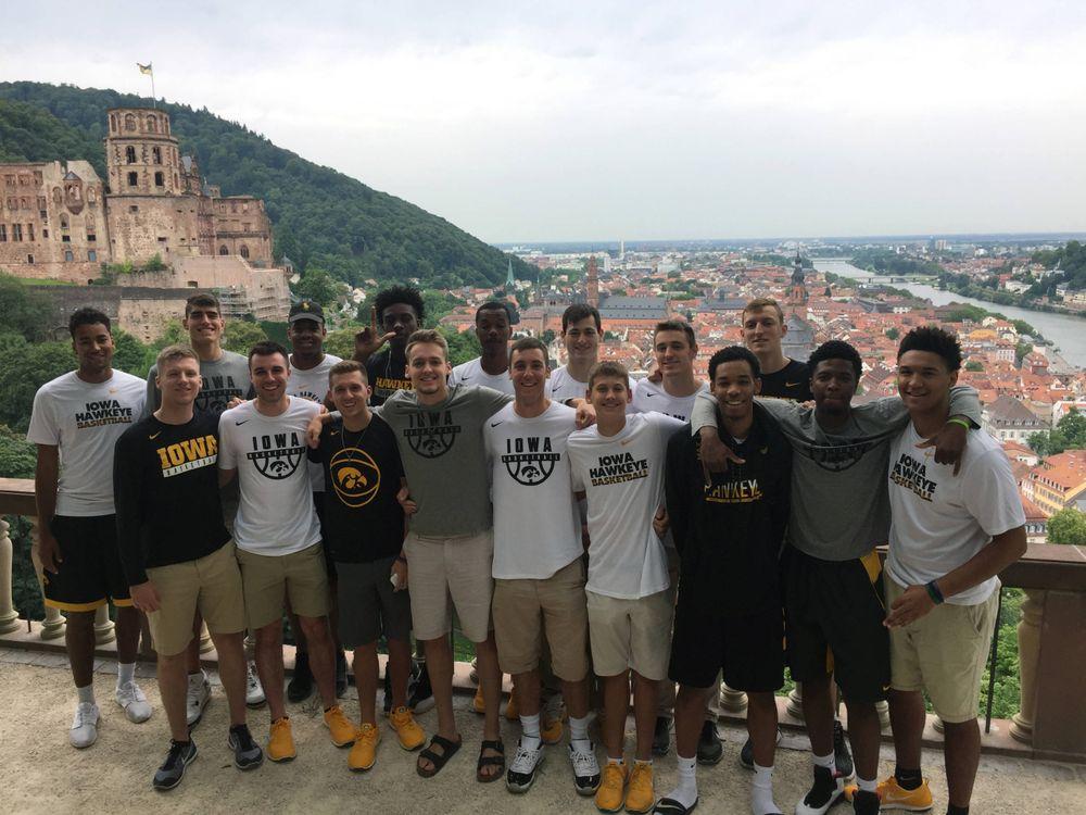 Team photo on Heidelberg Castle grounds