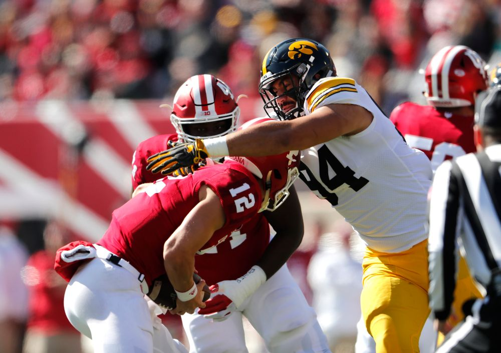 Iowa Hawkeyes defensive end A.J. Epenesa (94) The Iowa Hawkeyes arrive for their game against the Indiana Hoosiers Saturday, October 13, 2018 at Memorial Stadium, in Bloomington, Ind. (Brian Ray/hawkeyesports.com)