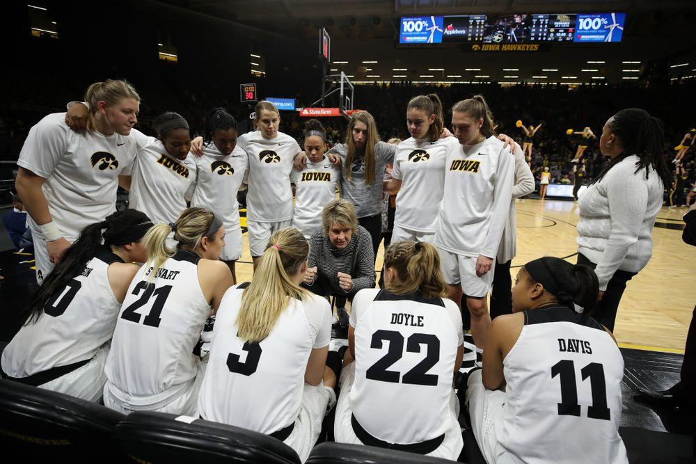 Iowa Hawkeyes head coach Lisa Bluder against the Nebraska Cornhuskers Thursday, January 3, 2019 at Carver-Hawkeye Arena. (Brian Ray/hawkeyesports.com)
