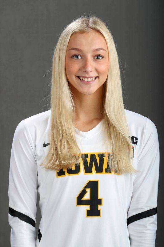 Sydney Dennis - Volleyball - University of Iowa Athletics