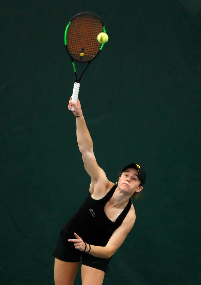 Elise Van Heuvelen against Ohio State Sunday, March 25, 2018 at the Hawkeye Tennis and Recreation Center. (Brian Ray/hawkeyesports.com)
