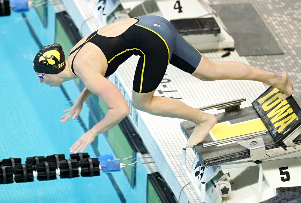 Iowa's Zoe Mekus swims the women's 50 yard freestyle preliminary event during the 2020 Women's Big Ten Swimming and Diving Championships at the Campus Recreation and Wellness Center in Iowa City on Thursday, February 20, 2020. (Stephen Mally/hawkeyesports.com)