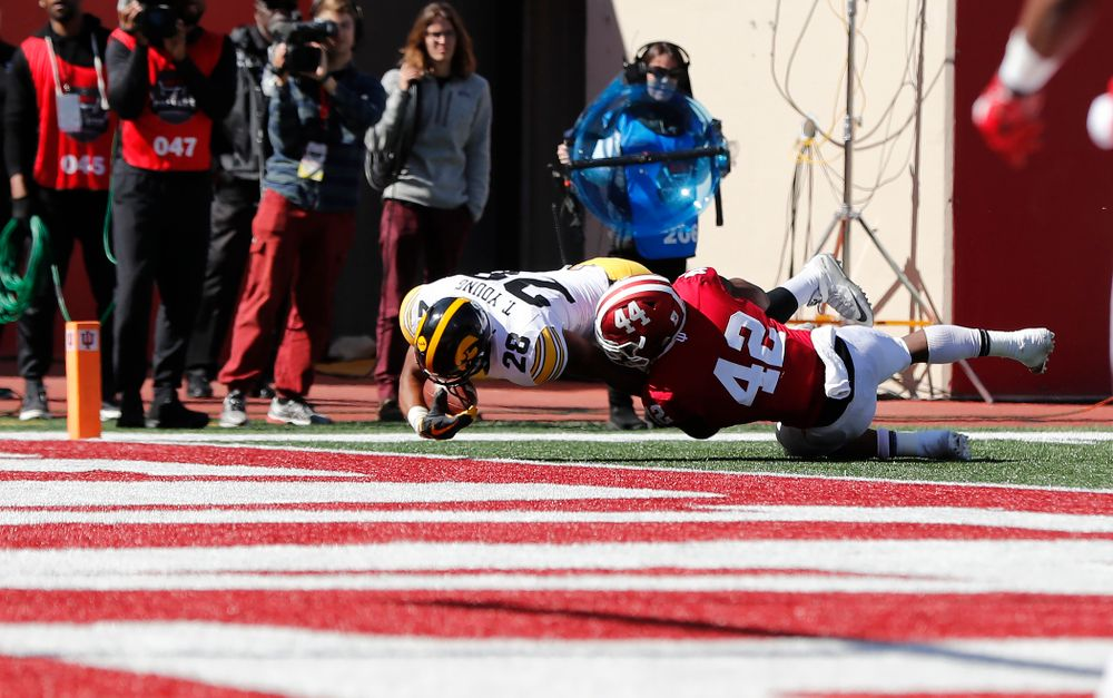 Iowa Hawkeyes running back Toren Young (28) scores against the Indiana Hoosiers Saturday, October 13, 2018 at Memorial Stadium, in Bloomington, Ind. (Brian Ray/hawkeyesports.com)