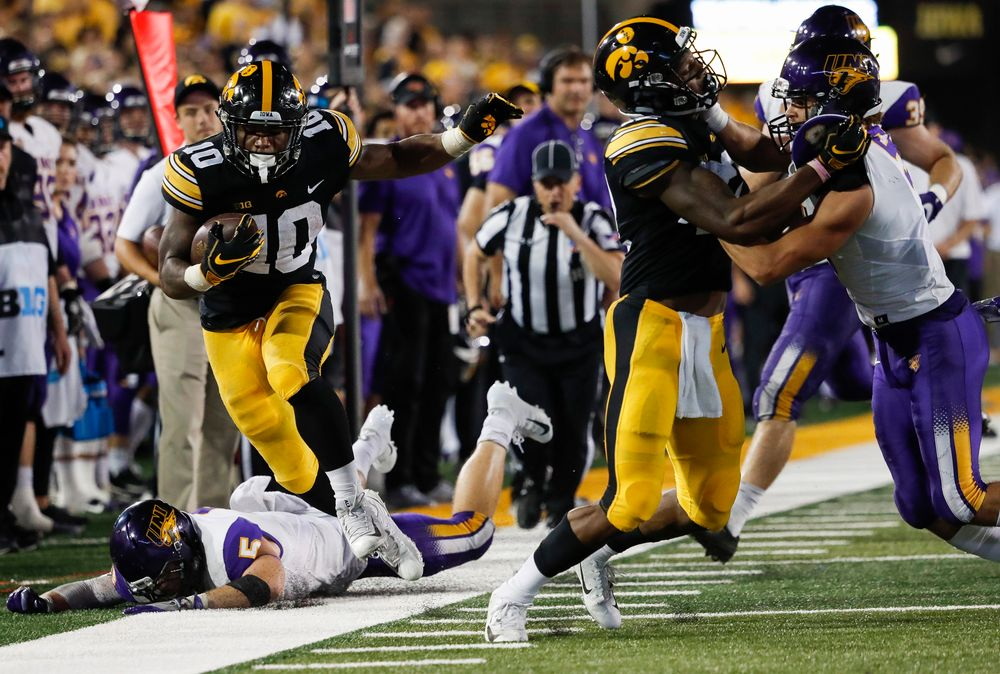 Iowa Hawkeyes running back Mekhi Sargent (10) runs the ball during a game against Northern Iowa at Kinnick Stadium on September 15, 2018. (Tork Mason/hawkeyesports.com)