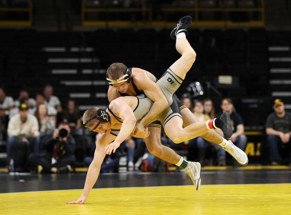 Iowa's Carter Happel  wrestles Purdue's Parker Filius at 149 pounds Saturday, November 24, 2018 at Carver-Hawkeye Arena. (Brian Ray/hawkeyesports.com)