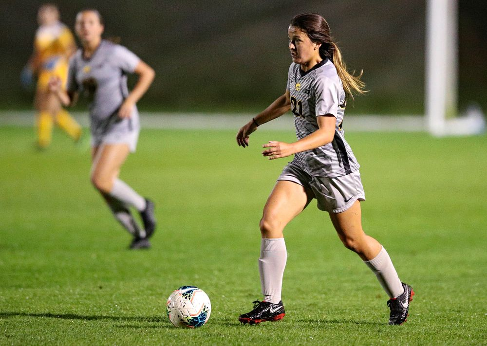 Iowa forward Emma Tokuyama (21) looks to pass during the second half of their match at the Iowa Soccer Complex in Iowa City on Friday, Sep 13, 2019. (Stephen Mally/hawkeyesports.com)
