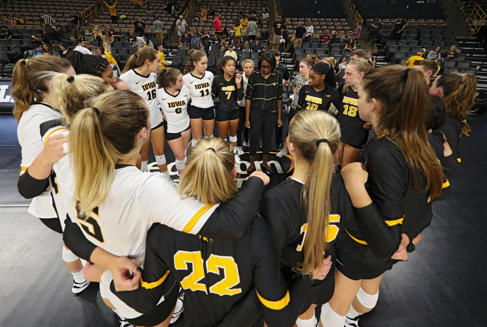 Iowa's Brie Orr (7) talks with her teammates after the Black and Gold scrimmage at Carver-Hawkeye Arena in Iowa City on Saturday, Aug 24, 2019. (Stephen Mally/hawkeyesports.com)