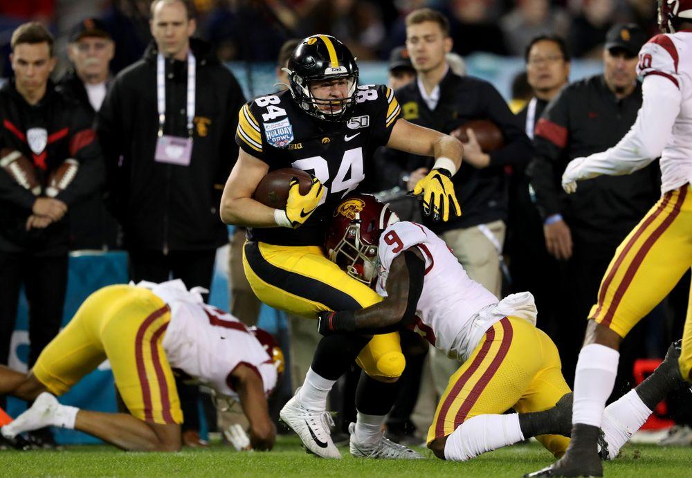 Iowa Hawkeyes tight end Sam LaPorta (84) against USC in the Holiday Bowl Friday, December 27, 2019 at San Diego Community Credit Union Stadium.  (Brian Ray/hawkeyesports.com)