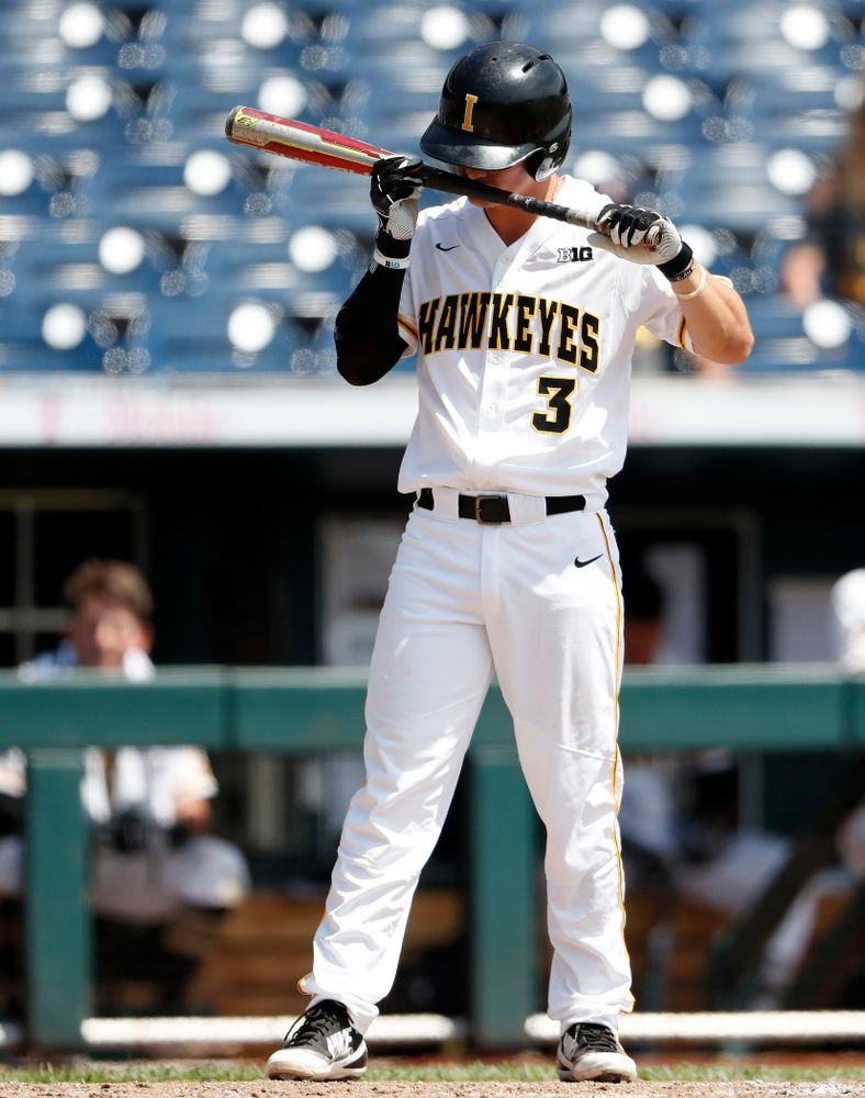 Iowa Hawkeyes infielder Matt Hoeg (3) against the Ohio State Buckeyes in the second round of the Big Ten Baseball Tournament  Thursday, May 24, 2018 at TD Ameritrade Park in Omaha, Neb. (Brian Ray/hawkeyesports.com)