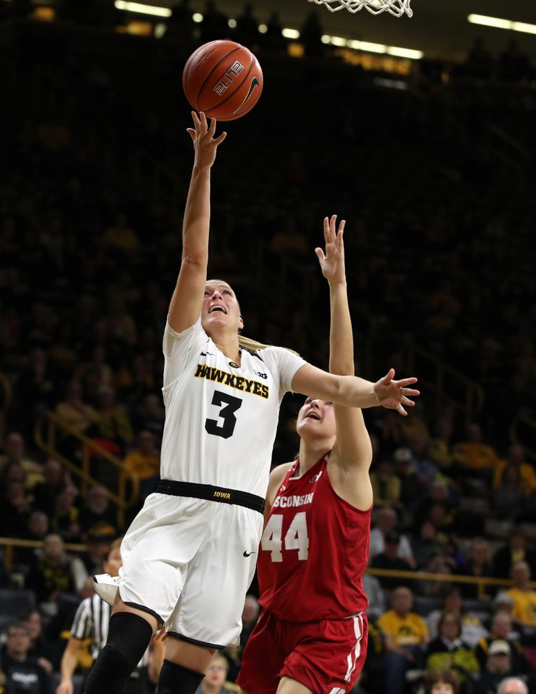 Iowa Hawkeyes guard Makenzie Meyer (3) against the Wisconsin Badgers Monday, January 7, 2019 at Carver-Hawkeye Arena.  (Brian Ray/hawkeyesports.com)