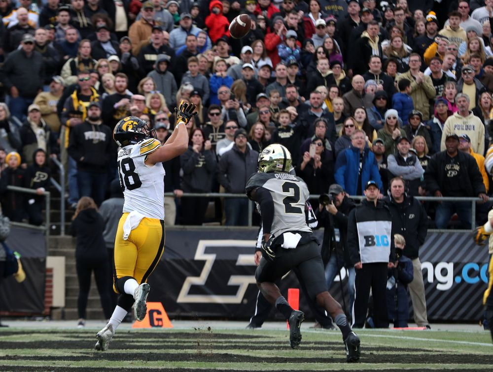 Iowa Hawkeyes tight end T.J. Hockenson (38) against the Purdue Boilermakers Saturday, November 3, 2018 Ross Ade Stadium in West Lafayette, Ind. (Brian Ray/hawkeyesports.com)