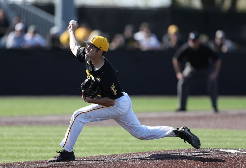 Iowa Hawkeyes Grant Leonard (43) delivers the ball to the plate during game two against UC Irvine Saturday, May 4, 2019 at Duane Banks Field. (Brian Ray/hawkeyesports.com)