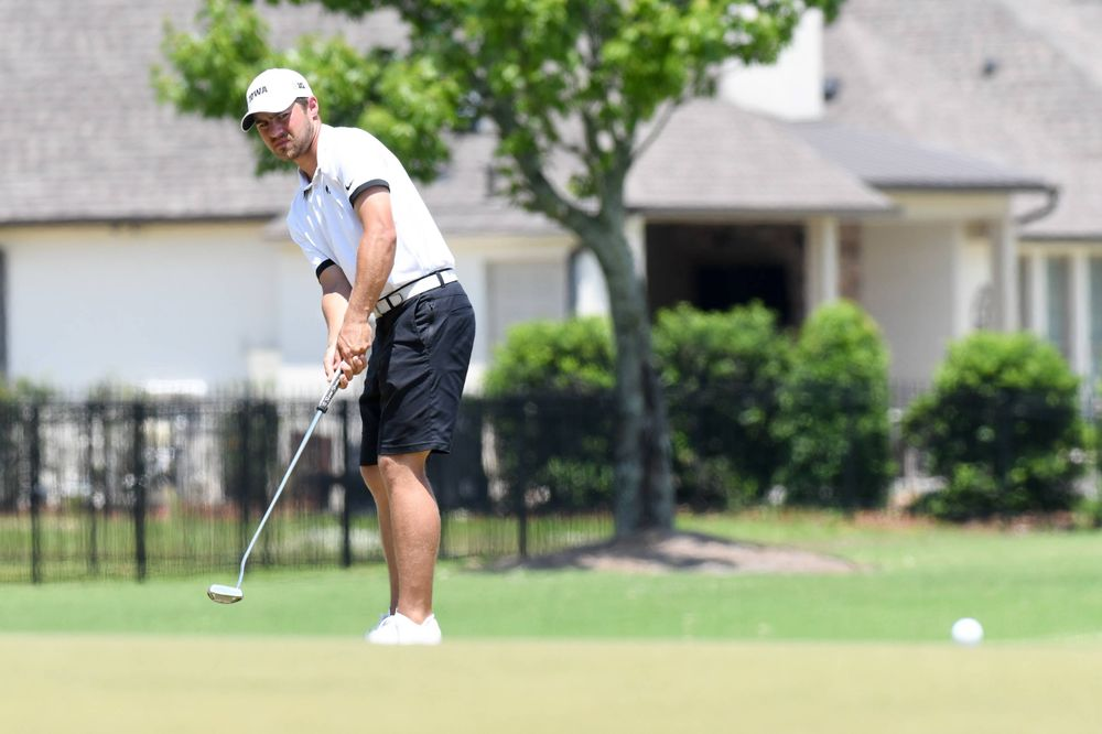 Senior Carson Schaake competes in the first round of the NCAA Men's Golf Regional. (Photo:SE Sports Media/Sideline Sports).