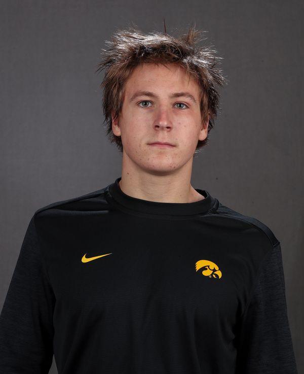 Daniel Young - Men's Swim & Dive - University of Iowa Athletics